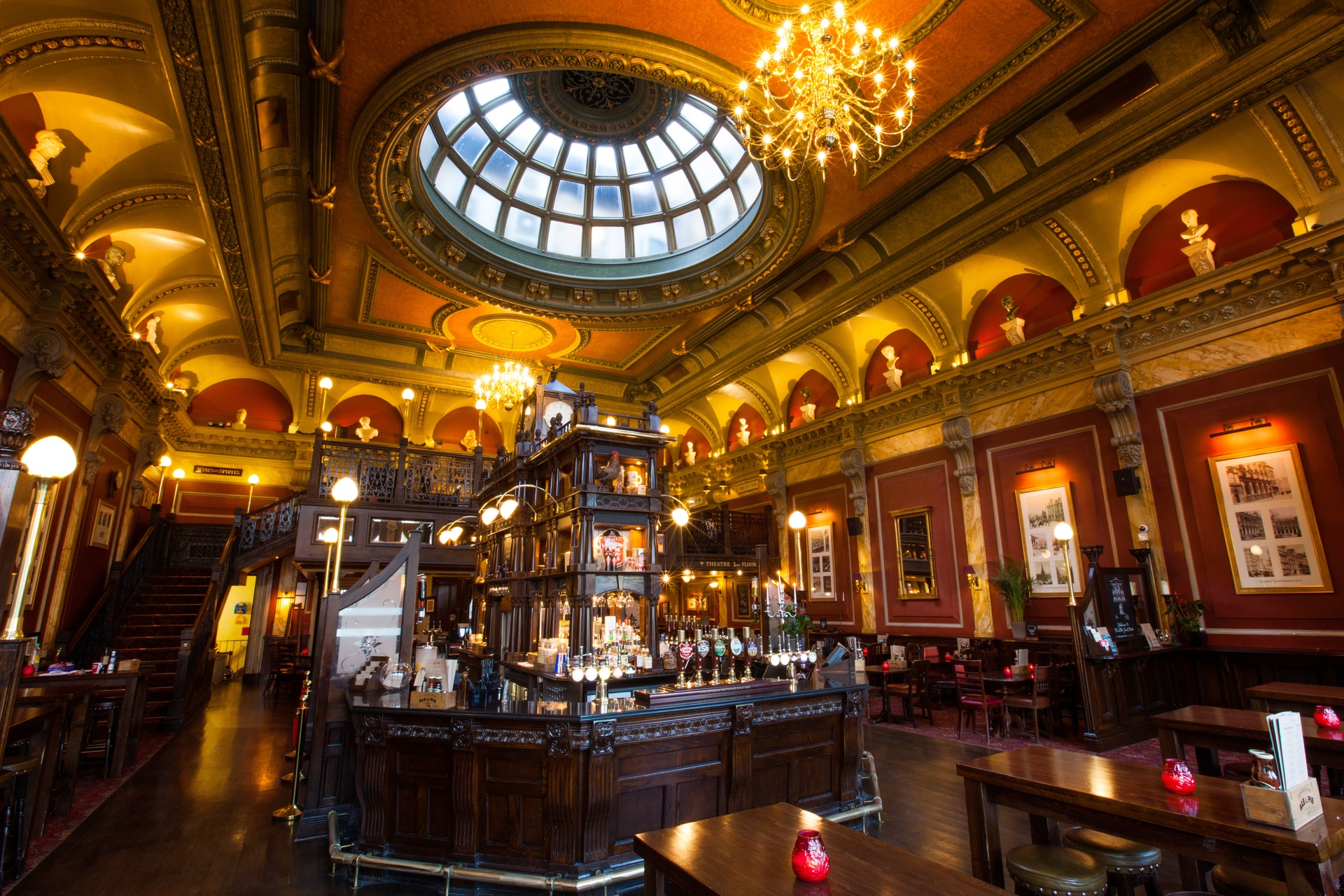 The Old Joint Stock Pub & Theatre Venue - View the Gallery ... Swan Arms