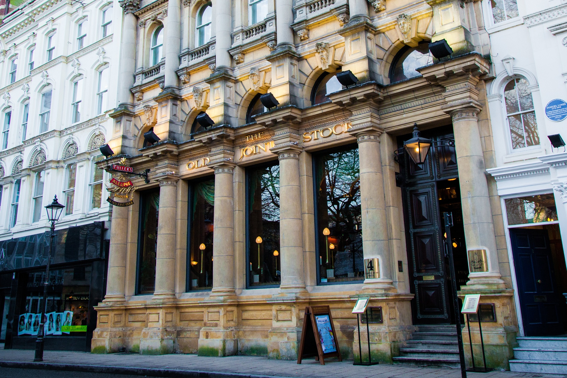 The Old Joint Stock Fuller S Pub And Theatre In Birmingham